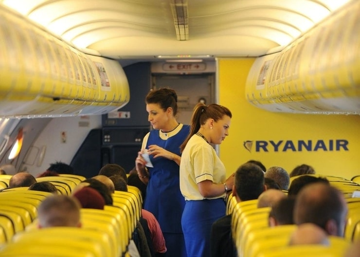 ryanair flight attendants