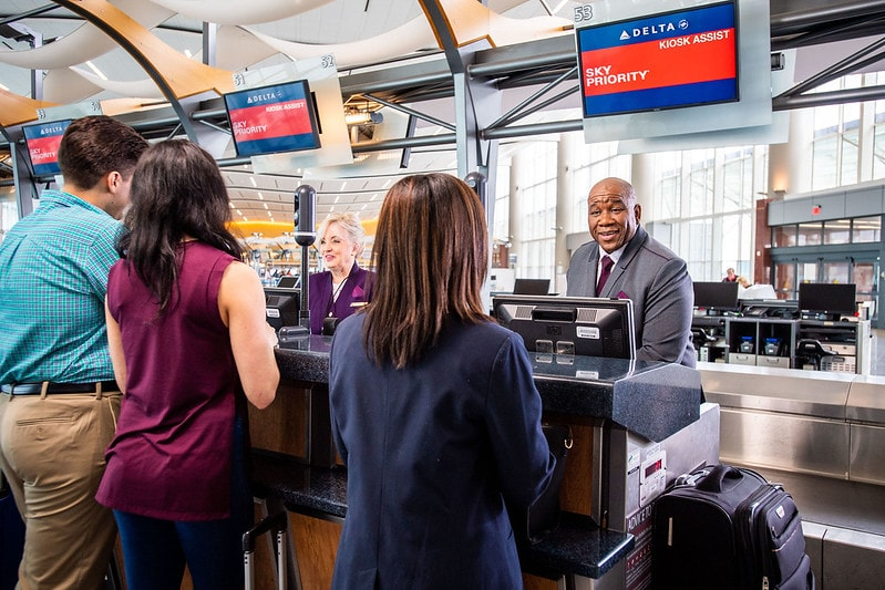 Delta check in counter