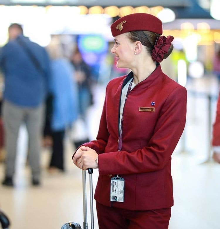 qatar airways cabin crew hat