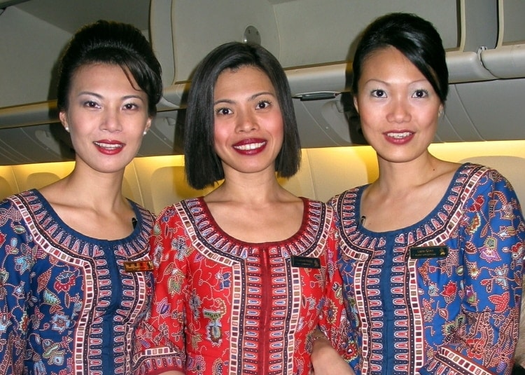 singapore airlines flight attendants